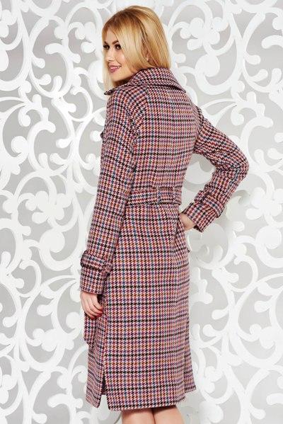 Palton din lana cu un croi cambrat